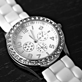 women strap watch